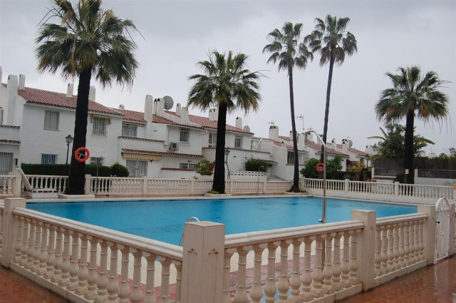 Townhouse for Sale - 153.000€ - Estepona, Costa del Sol - Ref: 3736