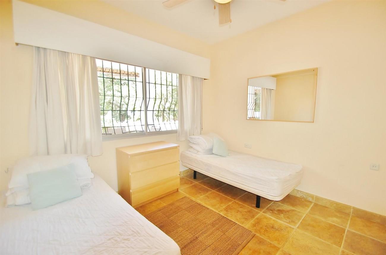 V3773 Villa for sale Nueva Andalucia Marbella Spain (17) (Large)