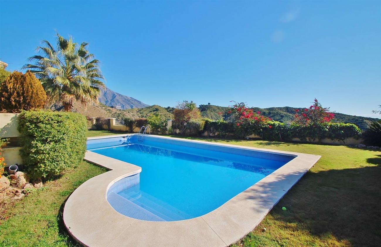 V3787 Villa in Benahavis Spain (6) (Large)