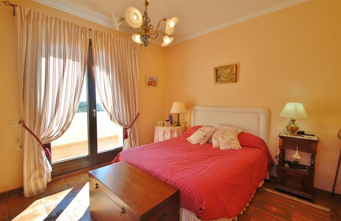V3787 Villa in Benahavis Spain (8) (Large)