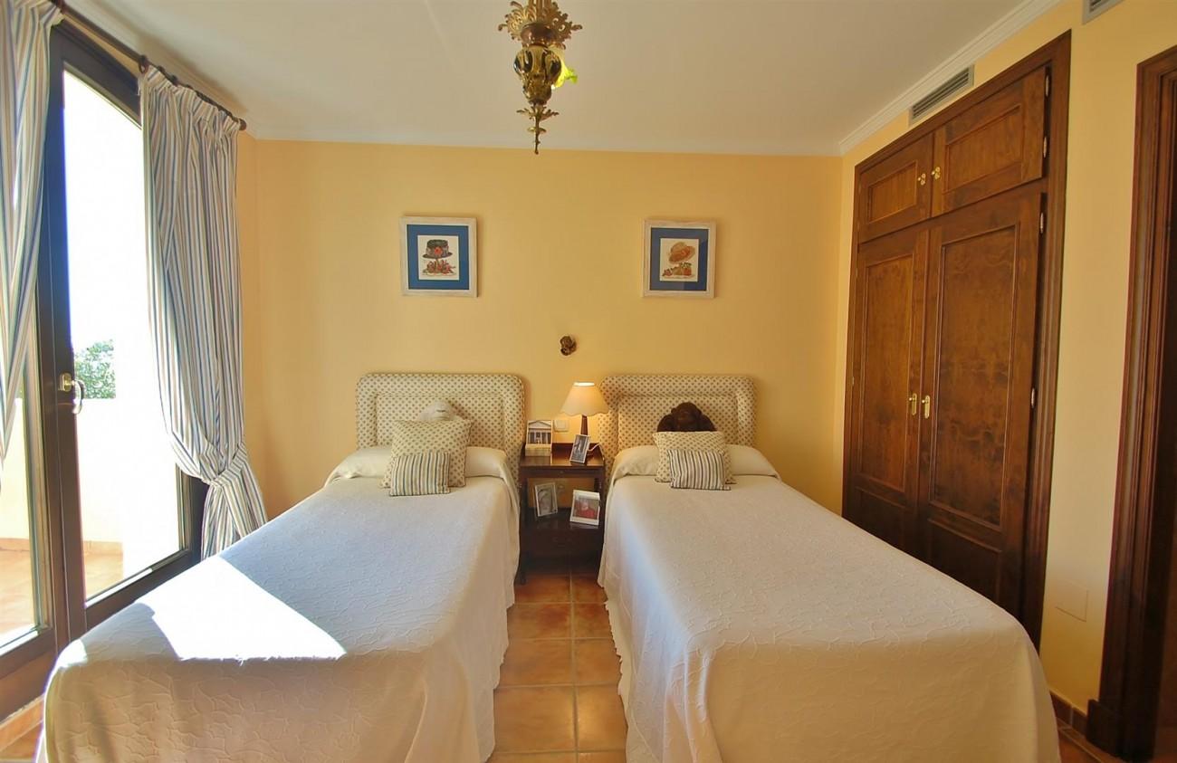 V3787 Villa in Benahavis Spain (12) (Large)