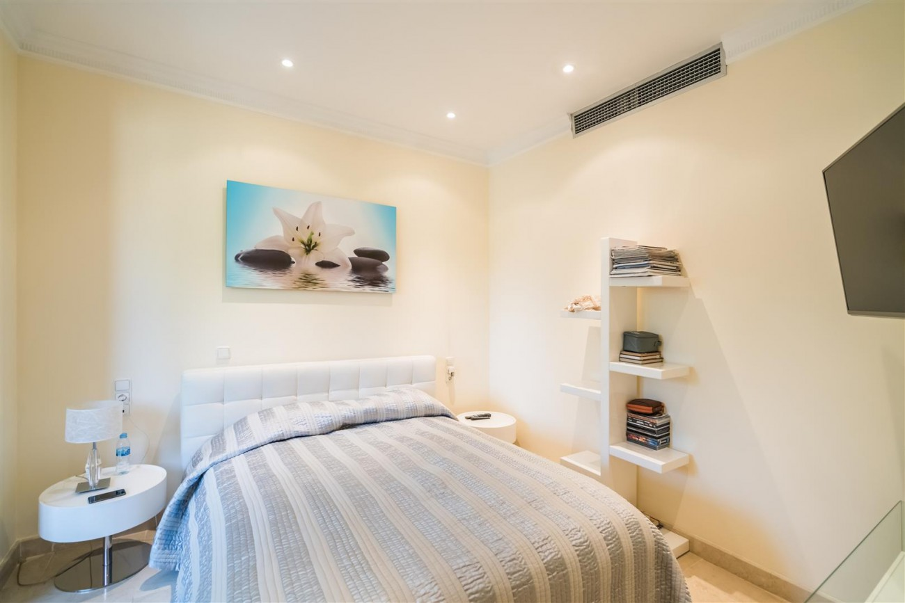 Villa for sale Marbella West Spain (3) (Large)