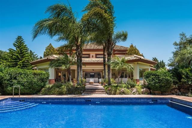 Villa for Sale - 3.200.000€ - Guadalmina Baja, Costa del Sol - Ref: 3815