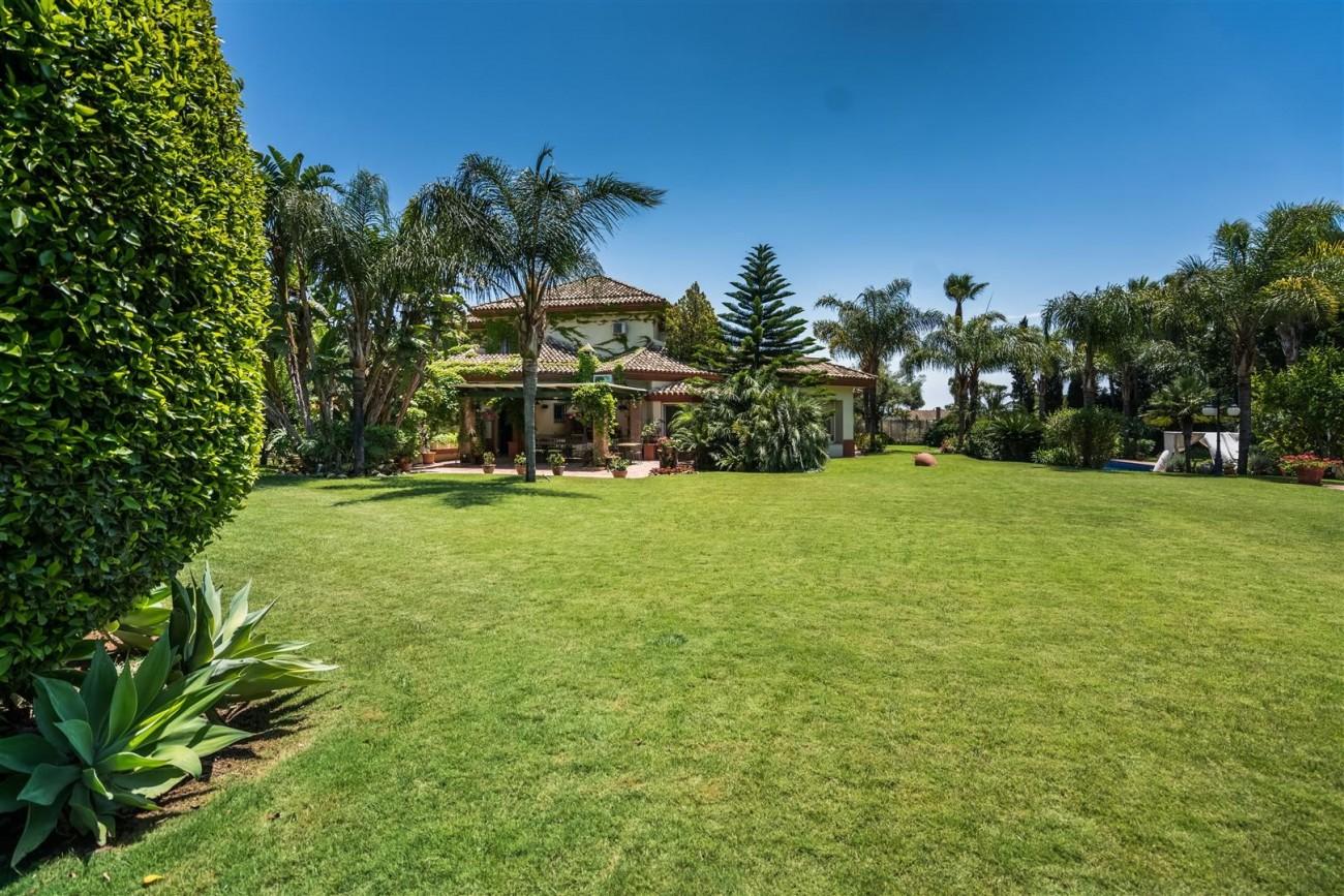 Villa for sale Marbella West Spain (24) (Large)