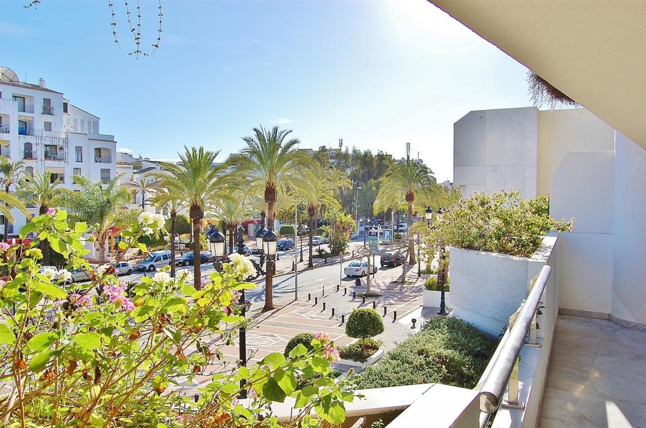 A3962 Frontline Beach Apartment Puerto Banus Marbella (2) (Large)