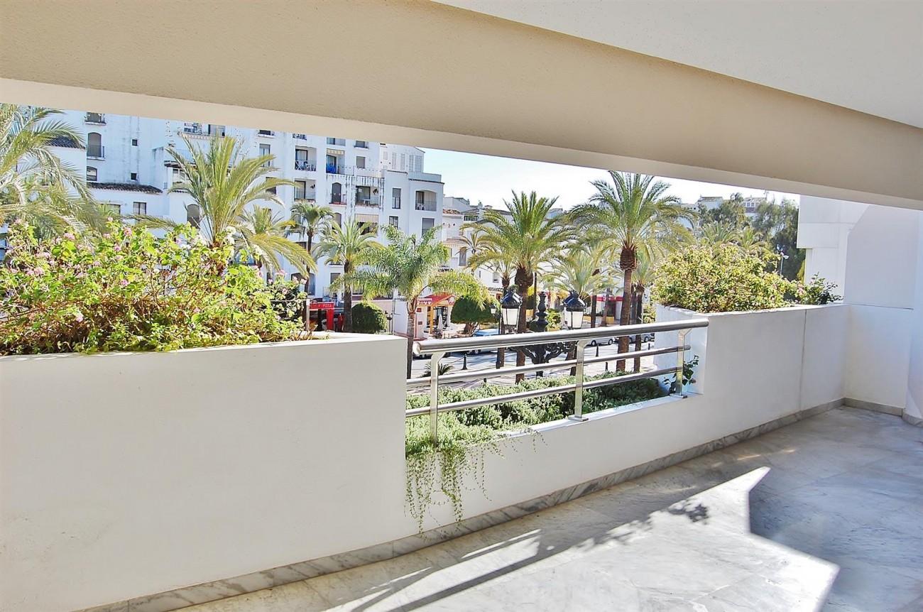 A3962 Frontline Beach Apartment Puerto Banus Marbella (11) (Large)