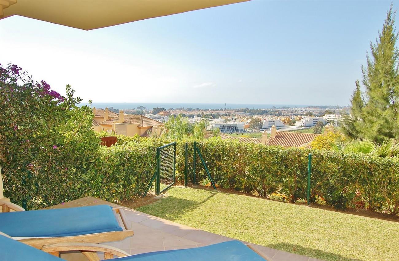 Ample 3 Bedrooms Apartment Puerto Banus marbella Spain (1) (Large)