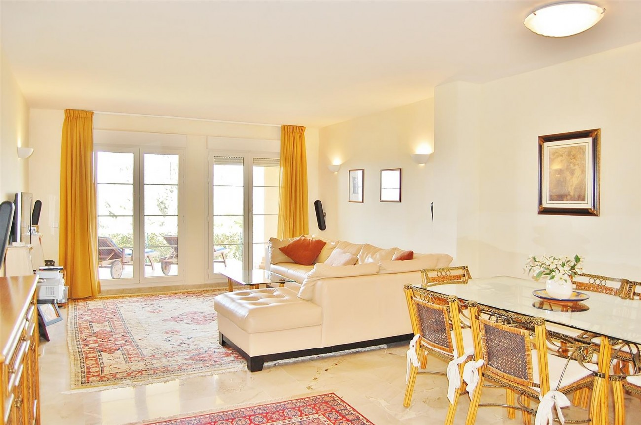 Ample 3 Bedrooms Apartment Puerto Banus marbella Spain (3) (Large)