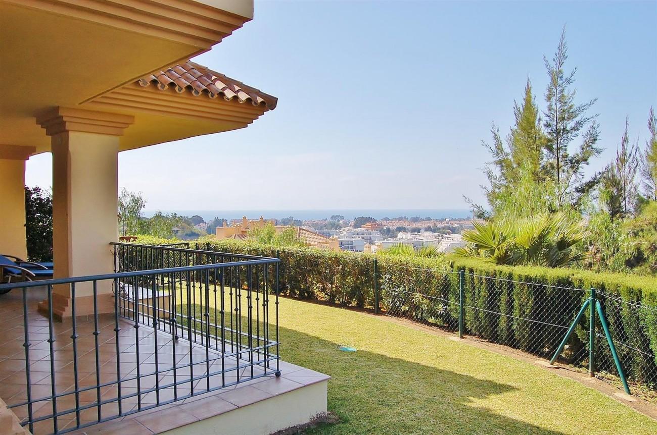 Ample 3 Bedrooms Apartment Puerto Banus marbella Spain (5) (Large)