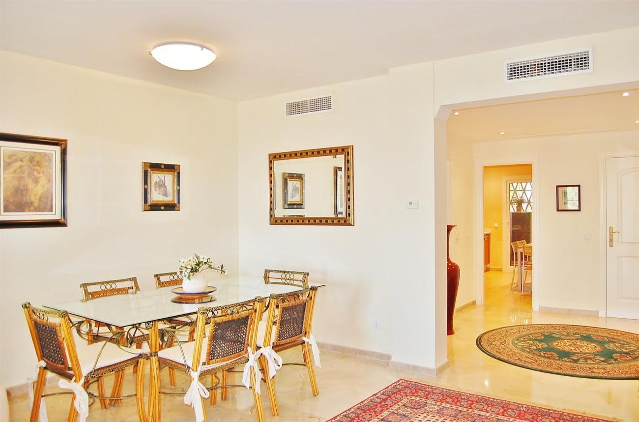 Ample 3 Bedrooms Apartment Puerto Banus marbella Spain (10) (Large)