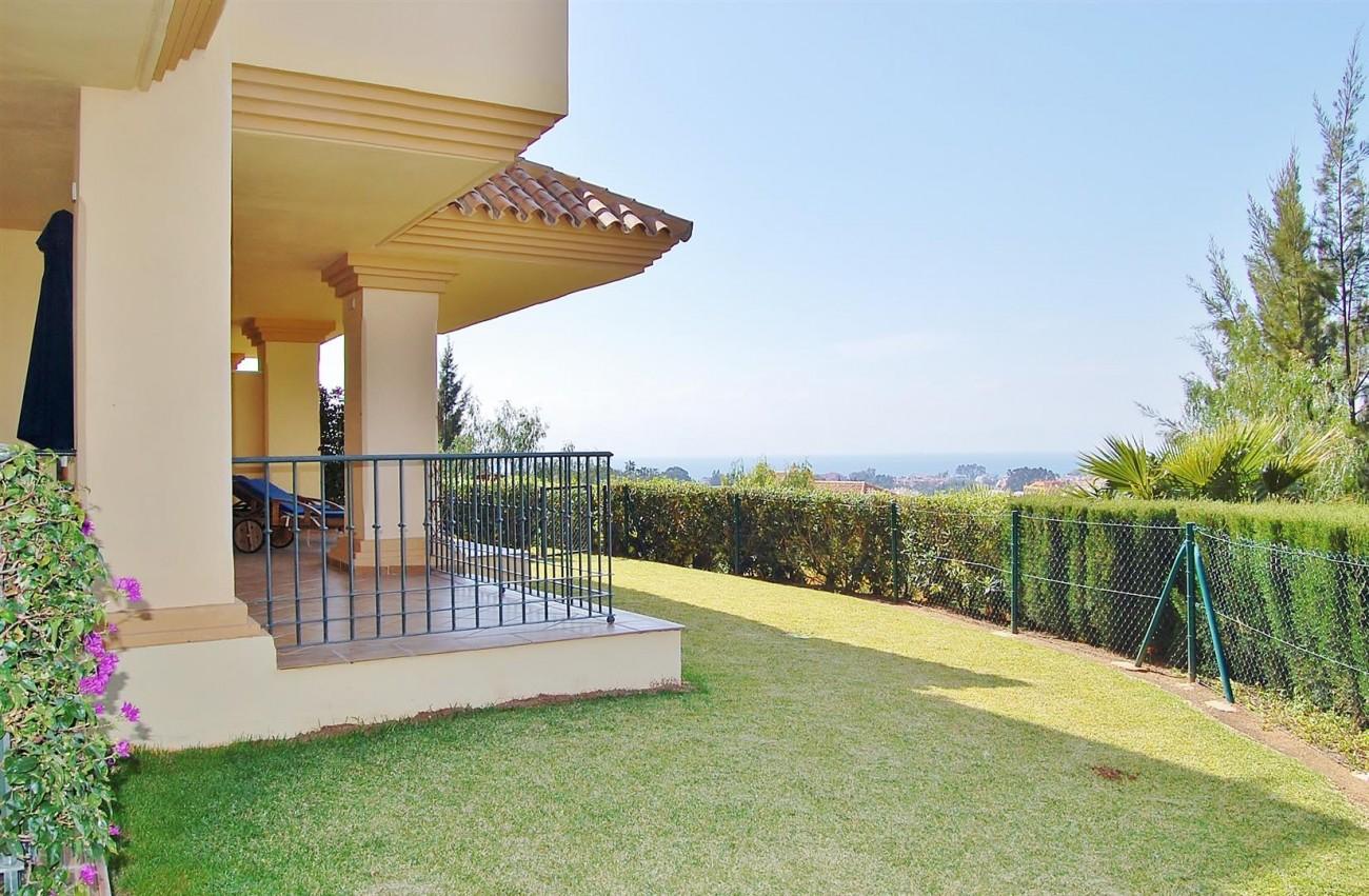Ample 3 Bedrooms Apartment Puerto Banus marbella Spain (17) (Large)