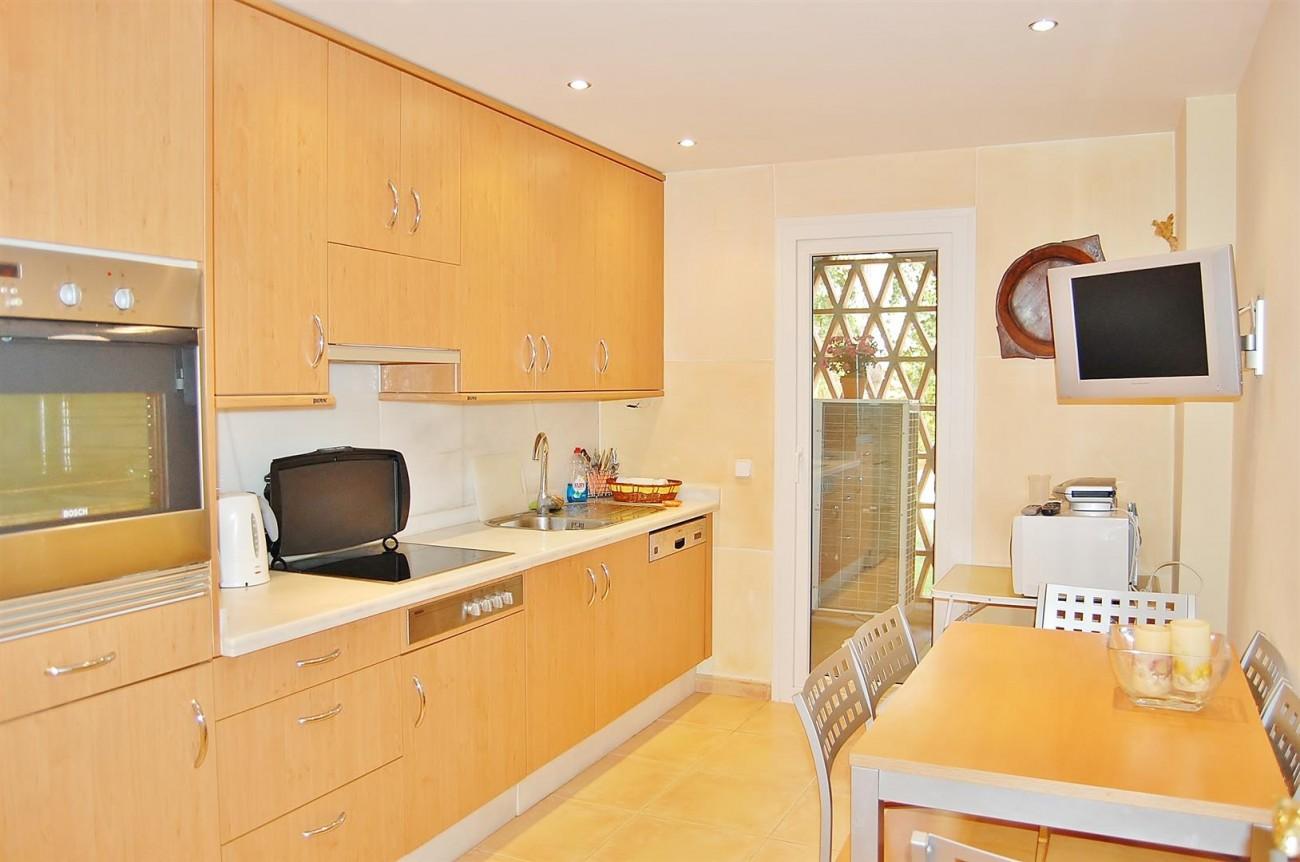 Ample 3 Bedrooms Apartment Puerto Banus marbella Spain (Large)