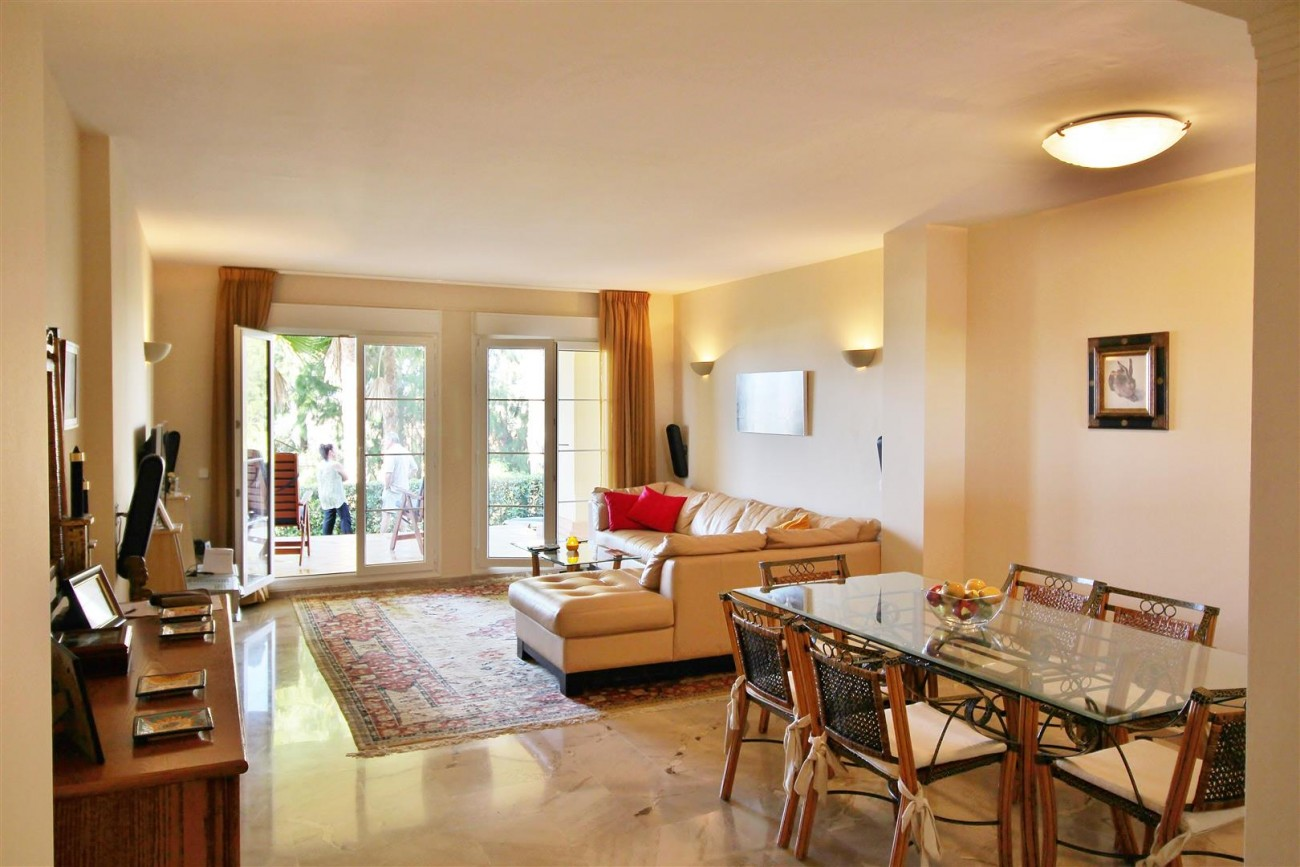 A3988 Apartment for sale 3 bedrooms Puerto Banus (12) (Large)