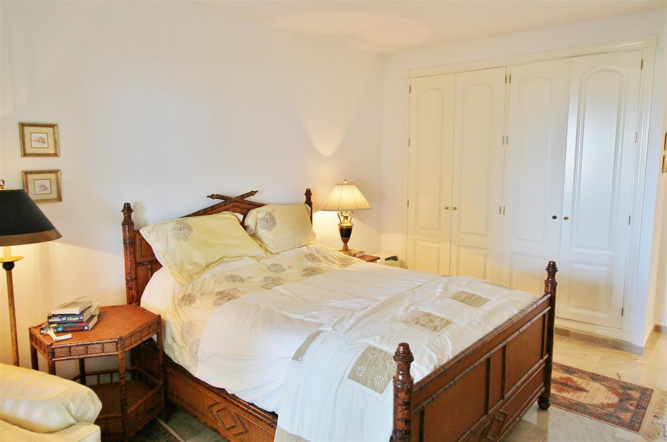 A3988 Apartment for sale 3 bedrooms Puerto Banus (36) (Large)