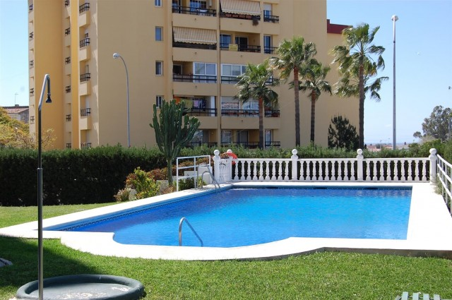 Apartment for Rent - 500€/month - Nueva Andalucía, Costa del Sol - Ref: 4018