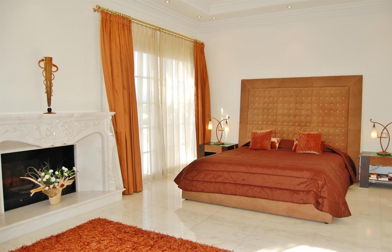V4158 Luxury Villa in Sierra Blanca Marbella (9) (Large)