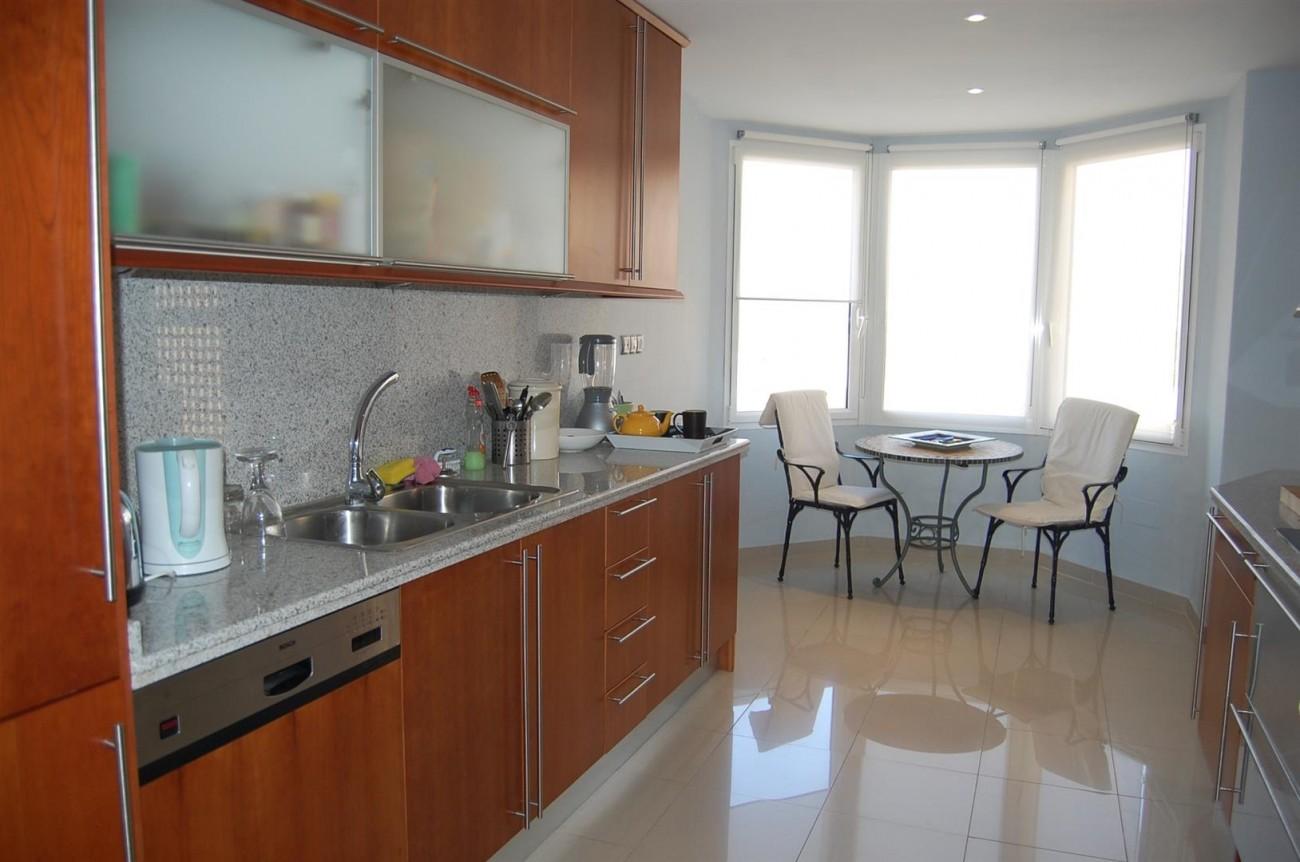 A4215 Luxury Penthouse Nueva Andalucia Marbella (12)