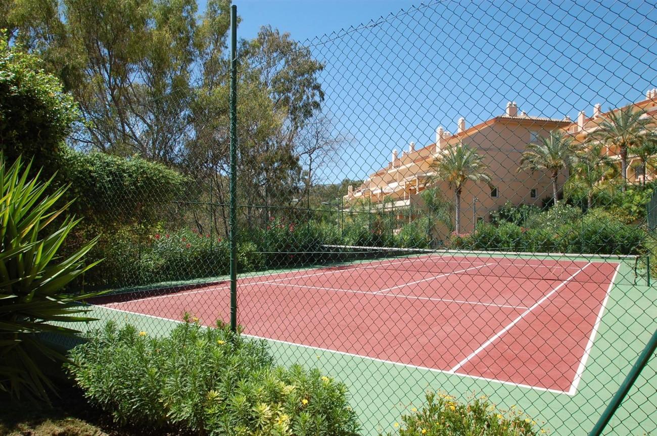 A4215 Luxury Penthouse Nueva Andalucia Marbella (2)