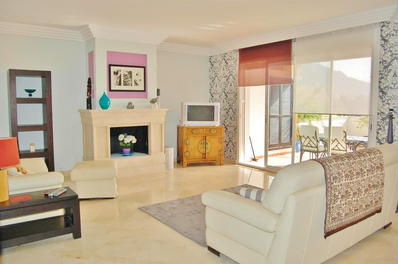 A4215 Luxury Penthouse Nueva Andalucia Marbella (16)