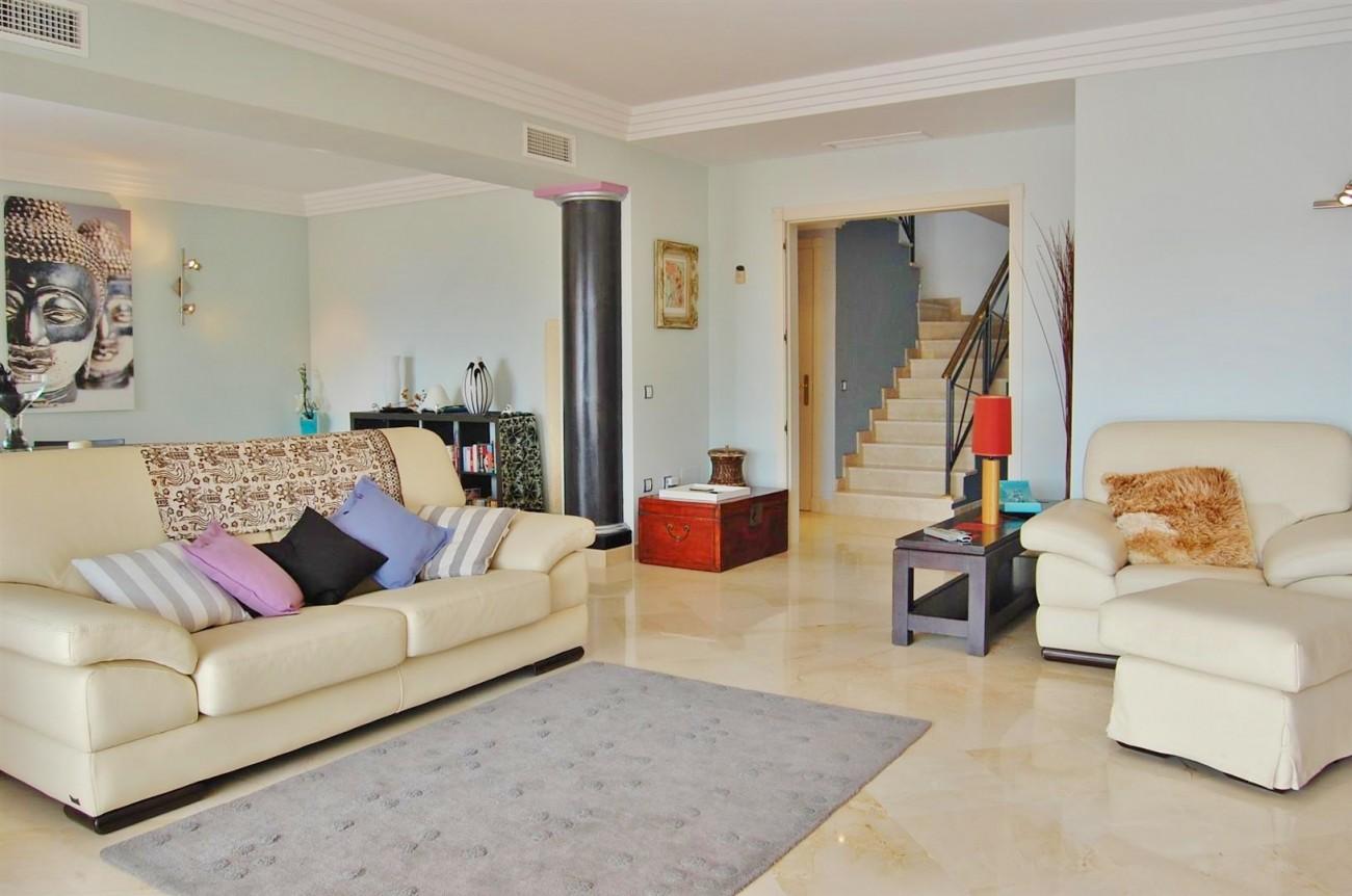 A4215 Luxury Penthouse Nueva Andalucia Marbella (17)