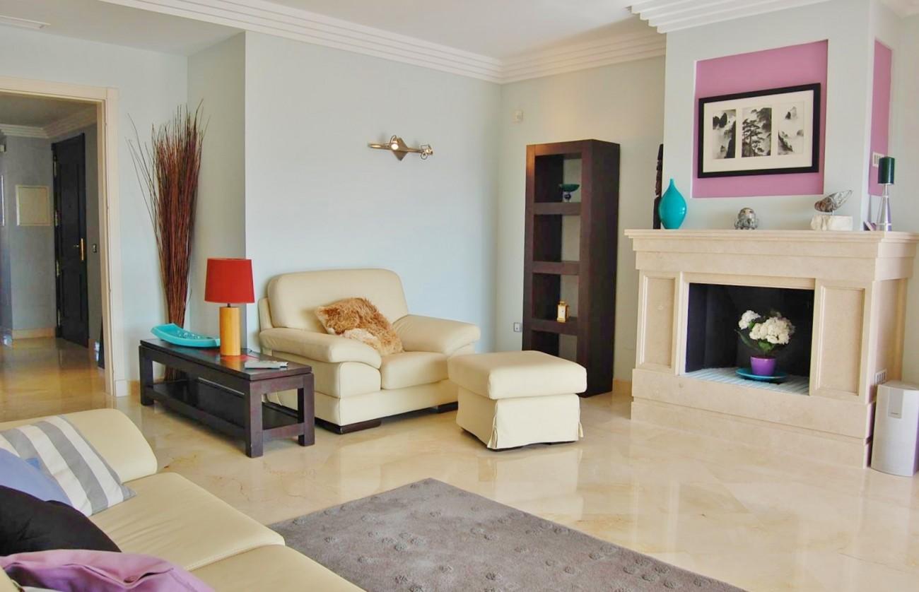 A4215 Luxury Penthouse Nueva Andalucia Marbella (18)