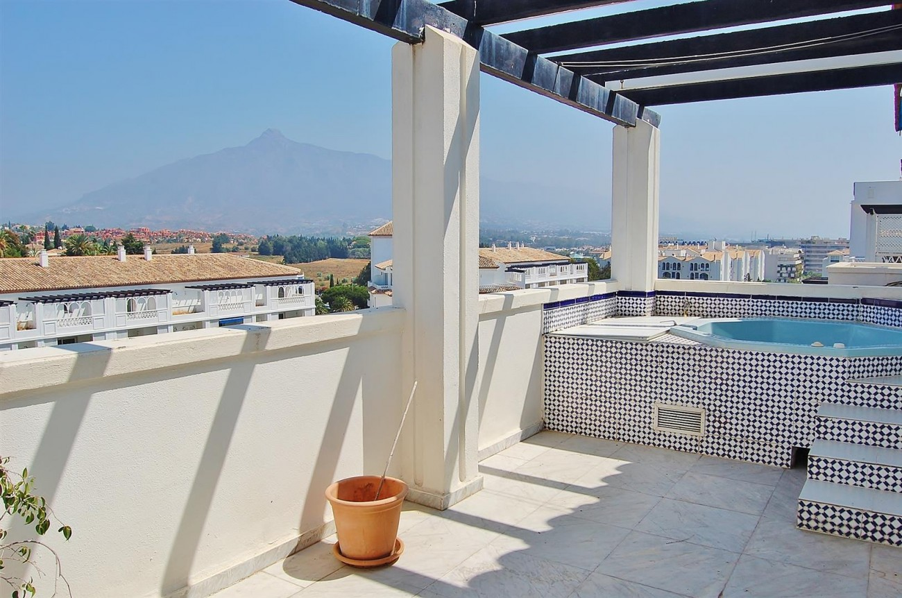 A4319 Apartment For Sale Puerto Banus Marbella (1) (Large)