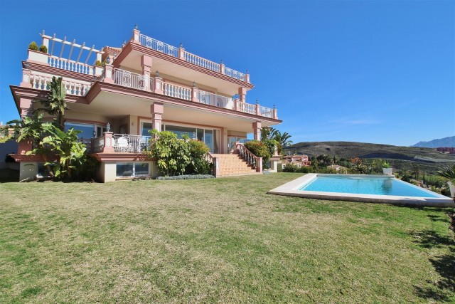 Luxury Villa for sale Benahavis Spain (1) (Large)