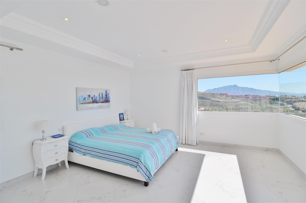 Luxury Villa for sale Benahavis Spain (44) (Large)