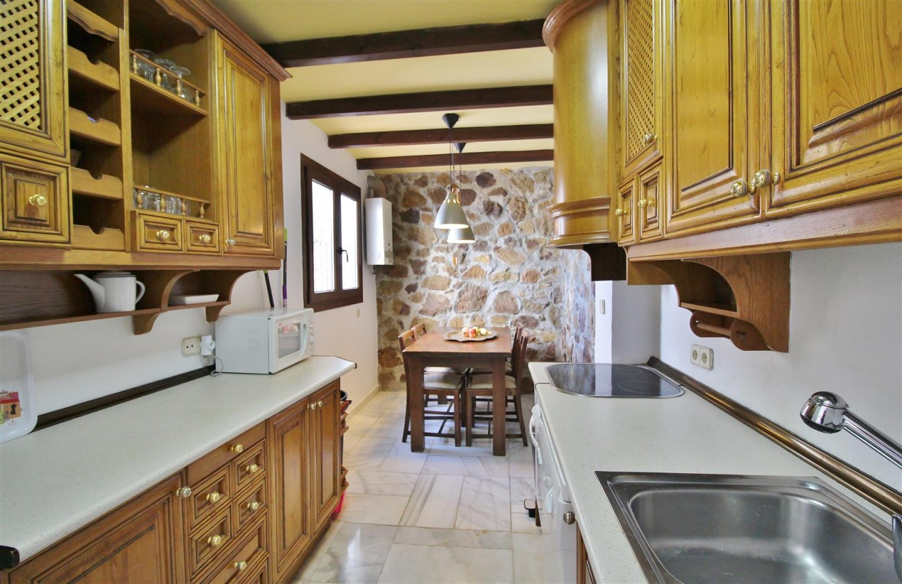 Townhouse for sale close to Puerto Banus Marbella Spain (1) (Large)