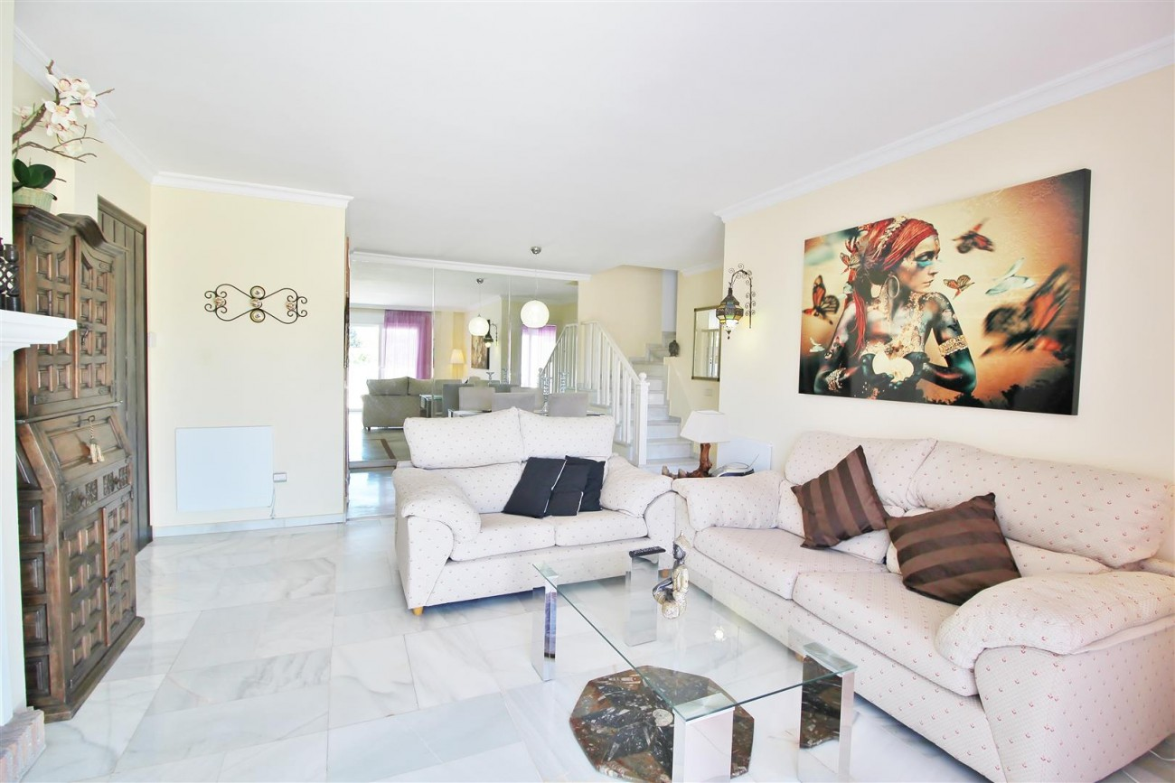Townhouse for sale close to Puerto Banus Marbella Spain (2) (Large)