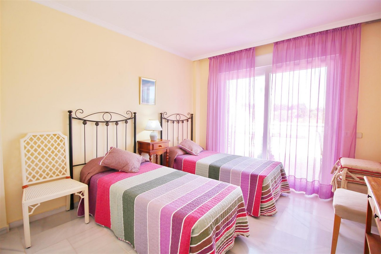 Townhouse for sale close to Puerto Banus Marbella Spain (3) (Large)