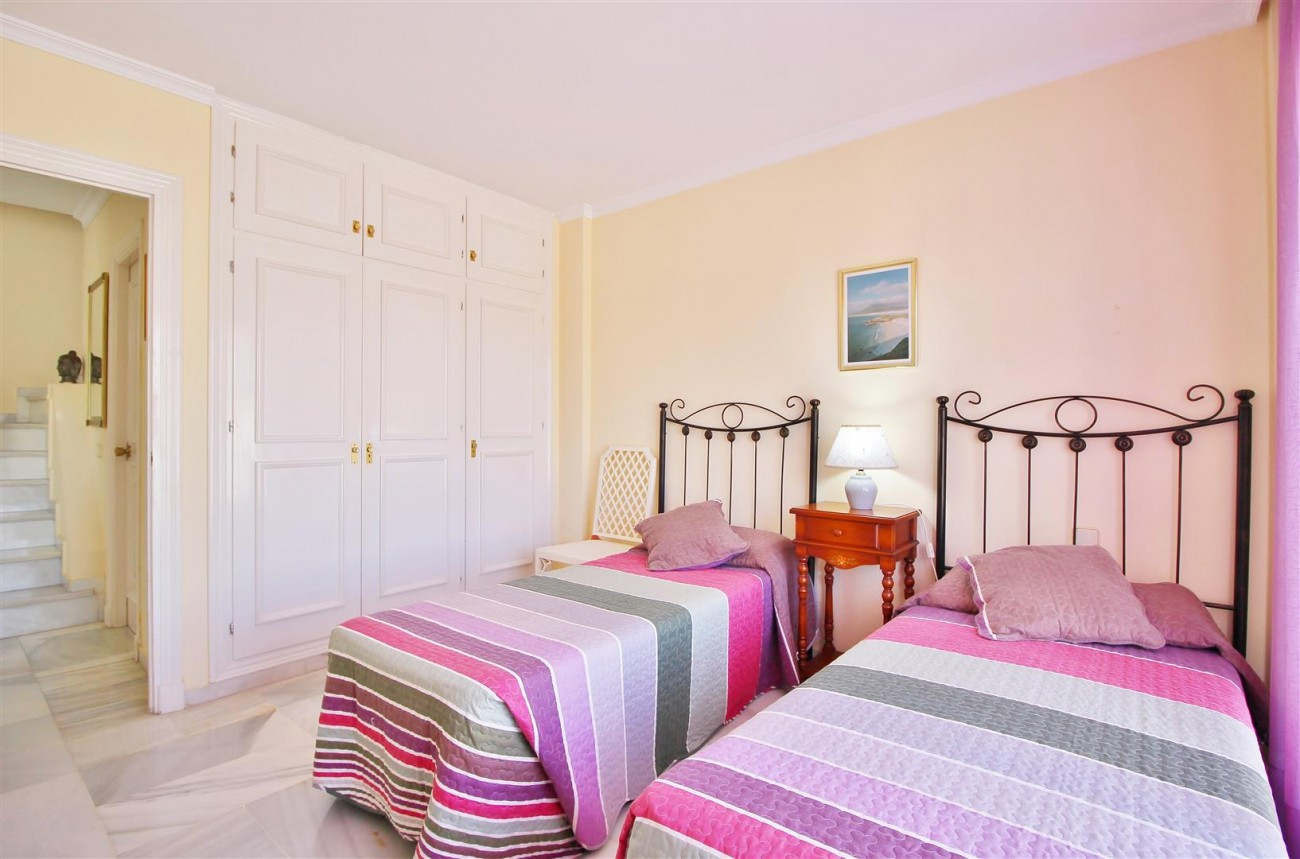 Townhouse for sale close to Puerto Banus Marbella Spain (4) (Large)