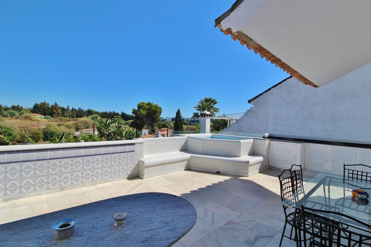 Townhouse for sale close to Puerto Banus Marbella Spain (8) (Large)