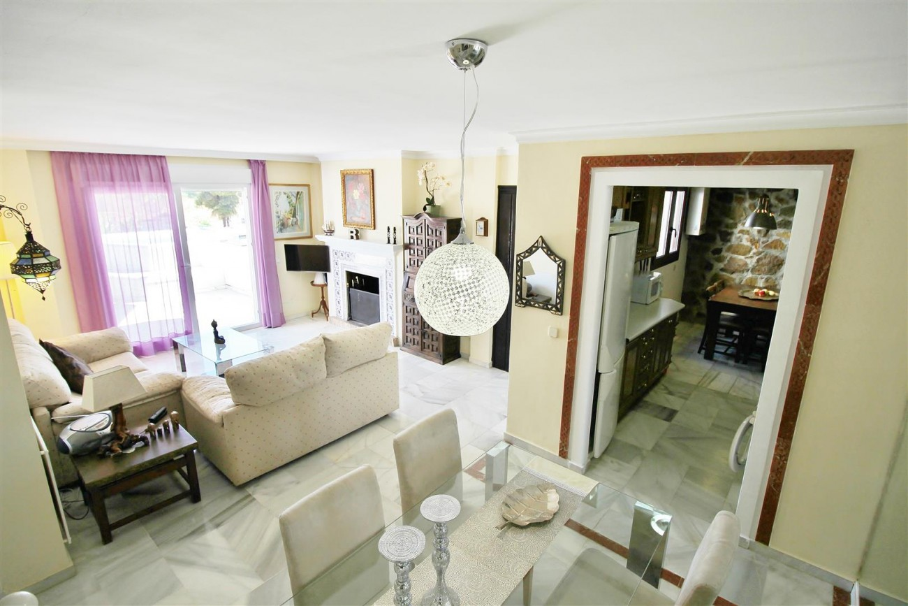 Townhouse for sale close to Puerto Banus Marbella Spain (12) (Large)