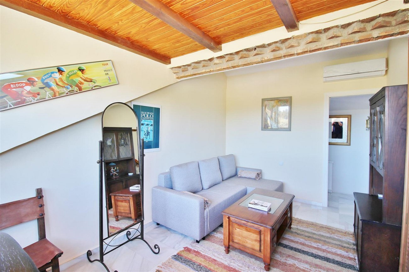 Townhouse for sale close to Puerto Banus Marbella Spain (14) (Large)