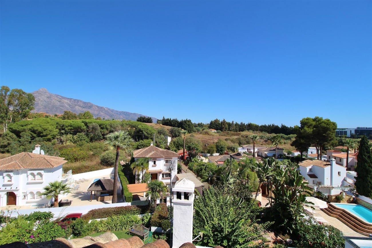 Townhouse for sale close to Puerto Banus Marbella Spain (15) (Large)