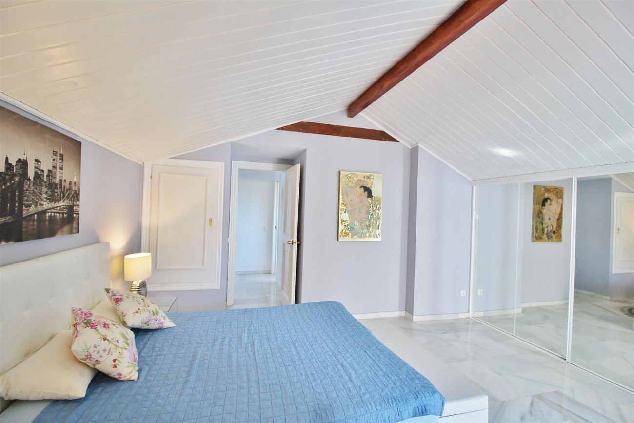 Townhouse for sale close to Puerto Banus Marbella Spain (20) (Large)