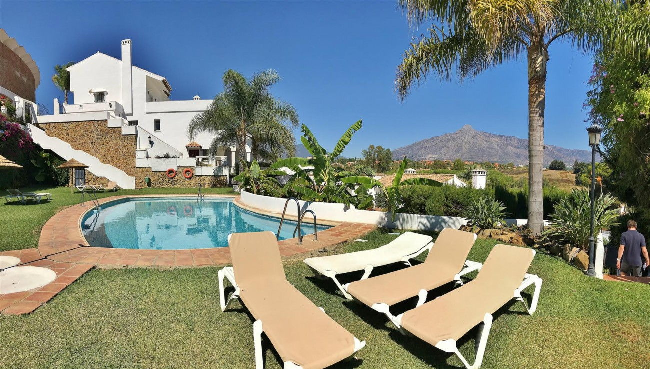 Townhouse for sale close to Puerto Banus Marbella Spain (22) (Large)