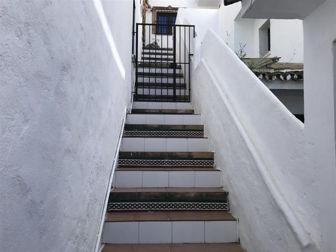 Townhouse for sale cloe to Puerto Banus Marbella Spain (2)
