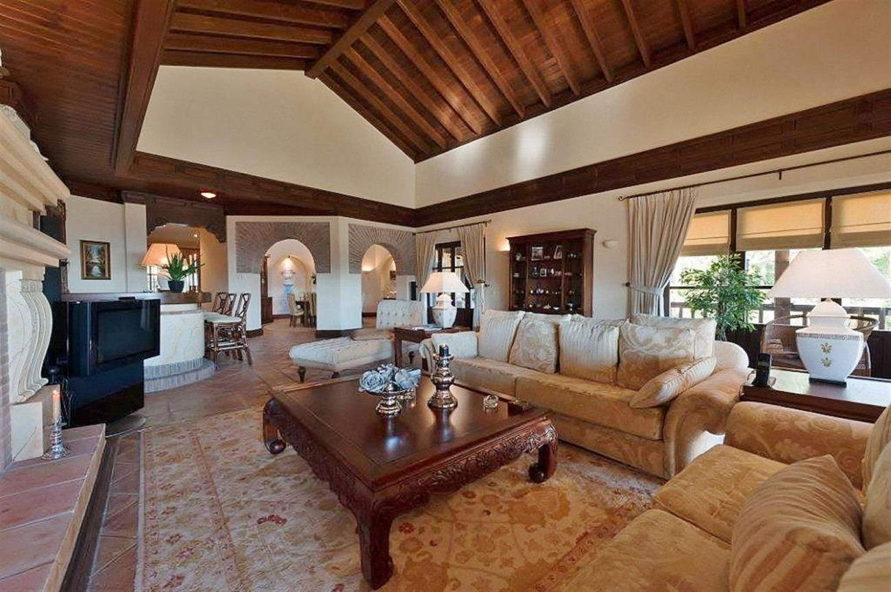 V4479 Luxury Villa Zagaleta Benahavis (2) (Large)