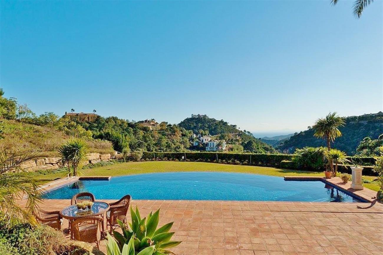V4479 Luxury Villa Zagaleta Benahavis (3) (Large)