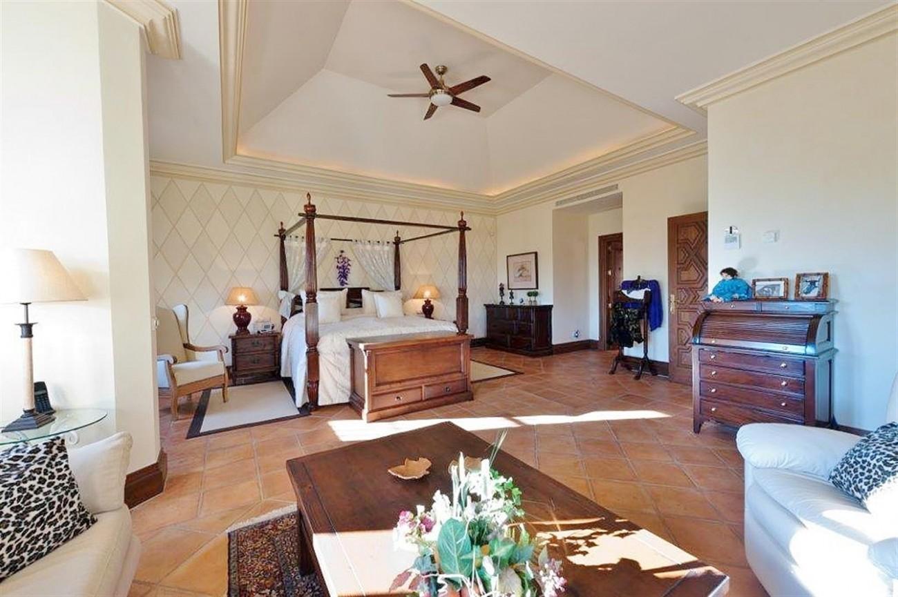 V4479 Luxury Villa Zagaleta Benahavis (4) (Large)