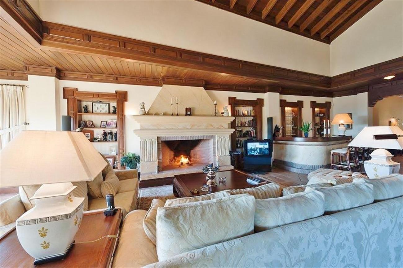 V4479 Luxury Villa Zagaleta Benahavis (7) (Large)