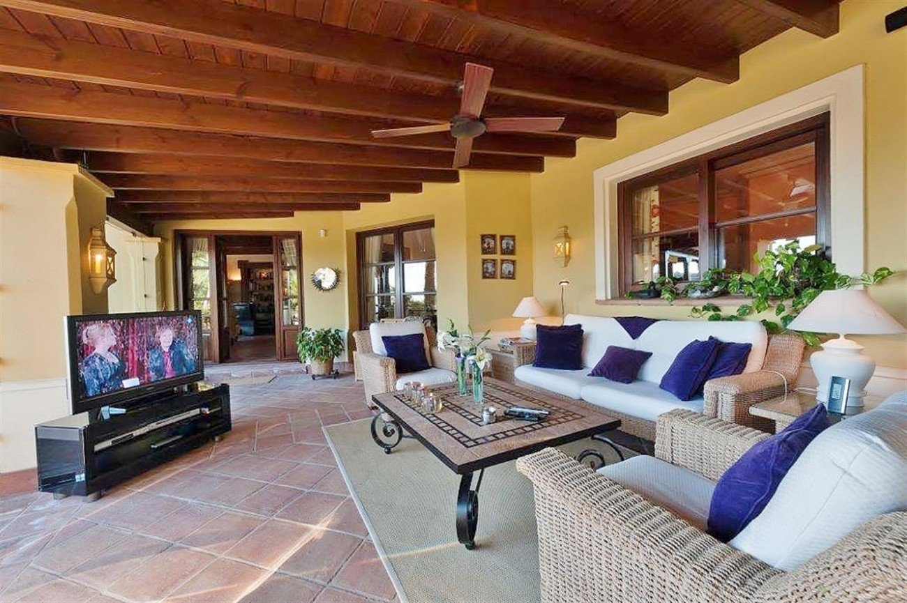 V4479 Luxury Villa Zagaleta Benahavis (9) (Large)
