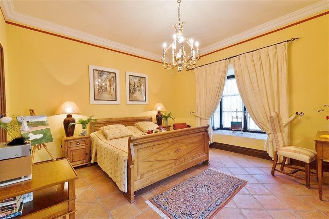 V4479 Luxury Villa Zagaleta Benahavis (11) (Large)