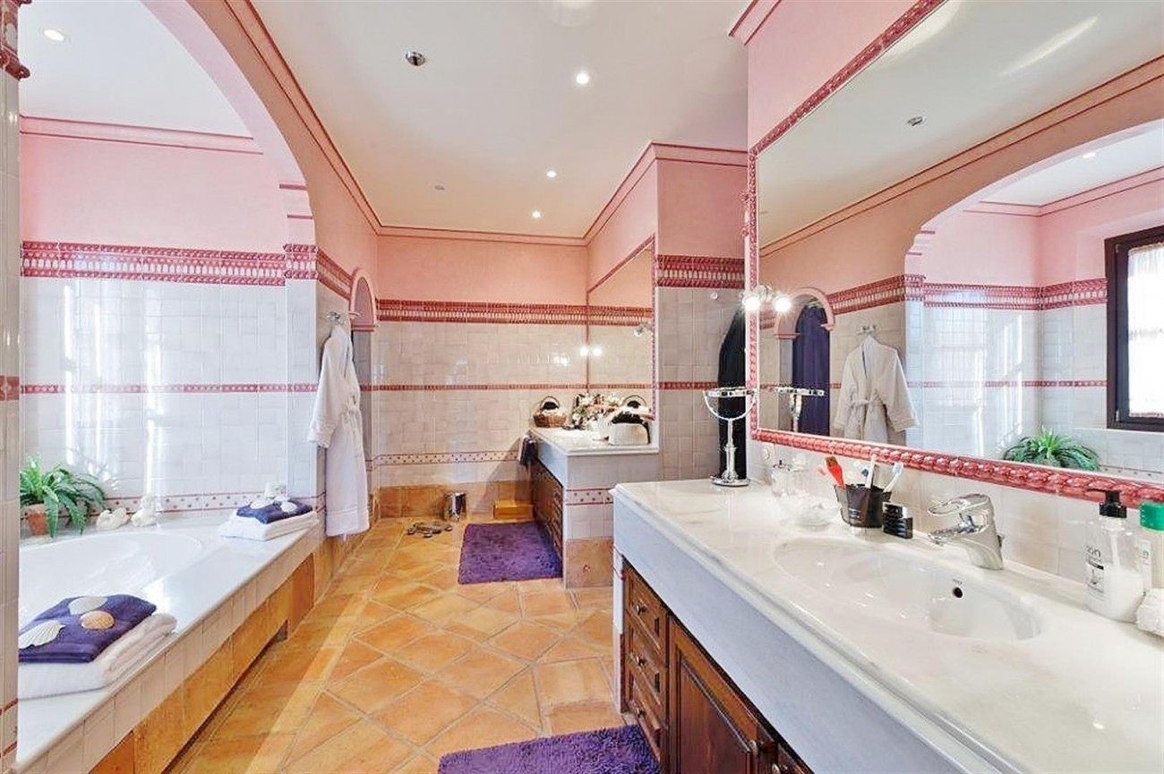 V4479 Luxury Villa Zagaleta Benahavis (12) (Large)