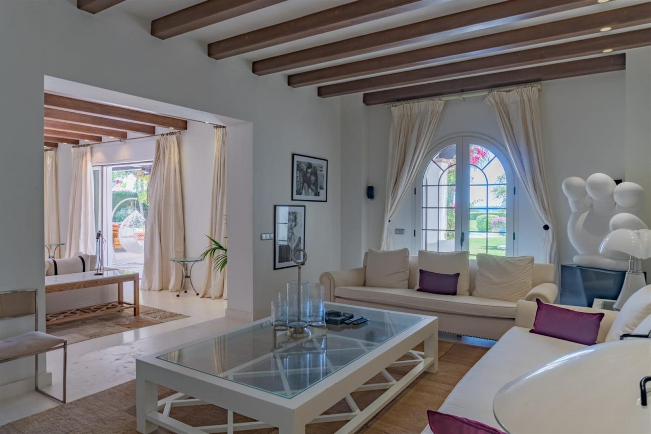 Beachfront Villa for sale Marbella Spain (2) (Large)