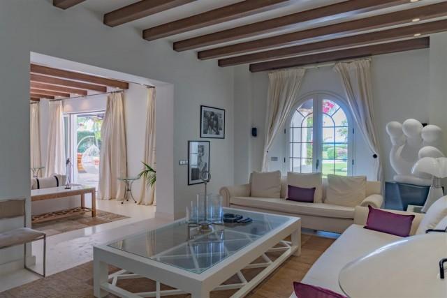 Beachfront Villa for sale Marbella Spain (2) (Large)