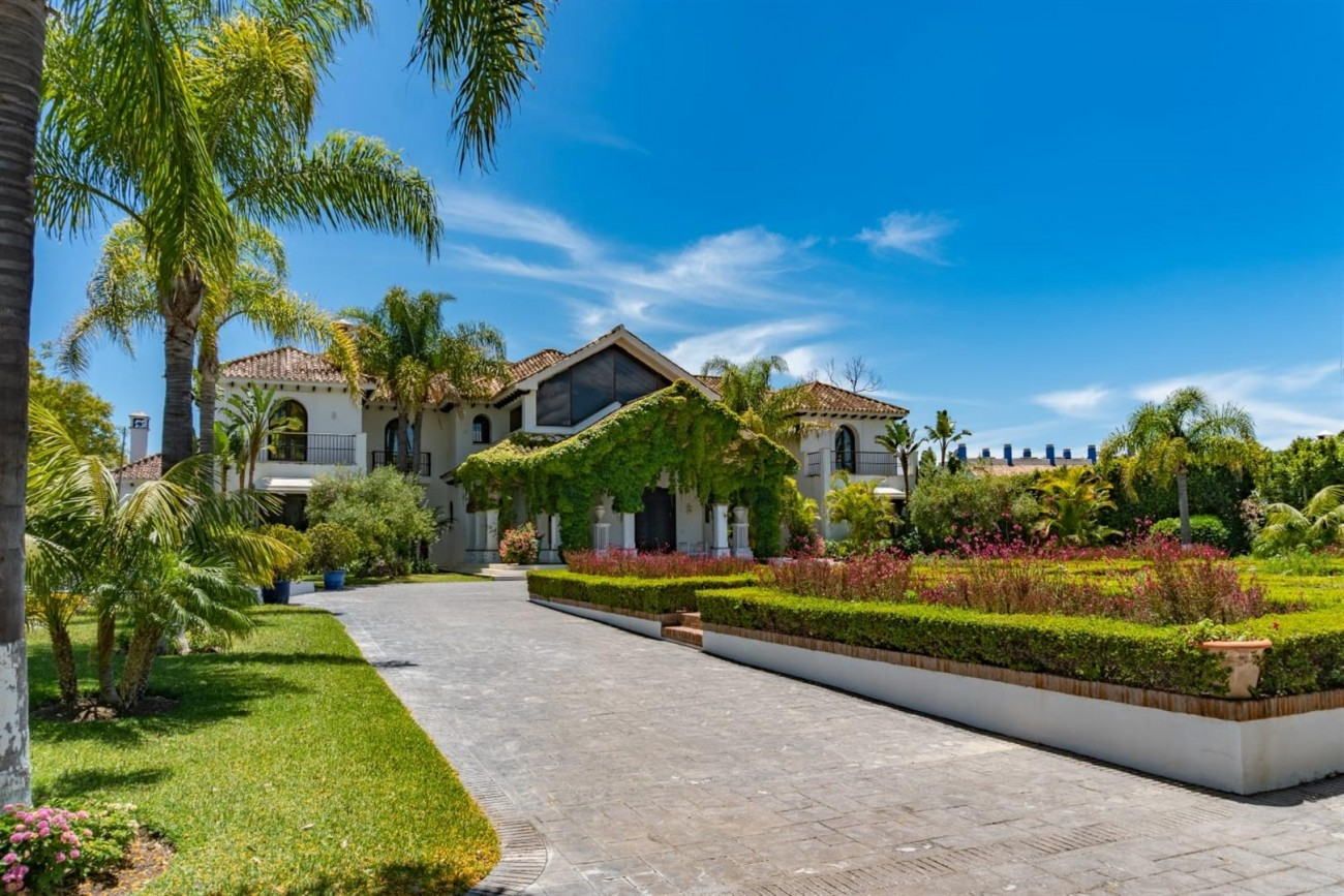 Beachfront Villa for sale Marbella Spain (4) (Large)