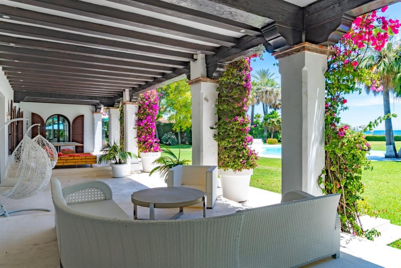 Beachfront Villa for sale Marbella Spain (12) (Large)